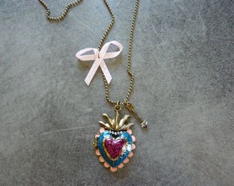 Open metal Heart Necklace