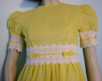 1970s Easter Gown Lorrie Deb San Francisco Yellow Bows Prom Dress Party Formal