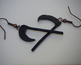 Black faux earrings