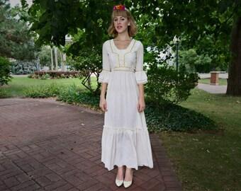 Vintage bohemian ivory dress