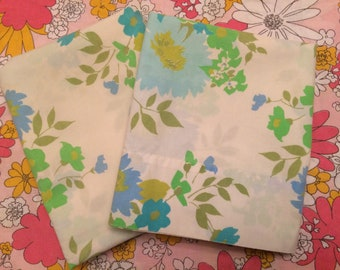 Set of Two Perma Prest Floral Queen Pillow Cases