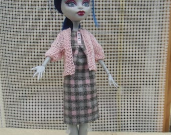 22 outfit for doll type monster or ever after