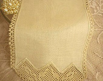 Vintage Embroidered Oblong Doily  ~  Bone Linen with Filet Crochet Detail