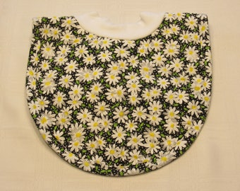 Daisies Pop-on Quilted Baby Bib