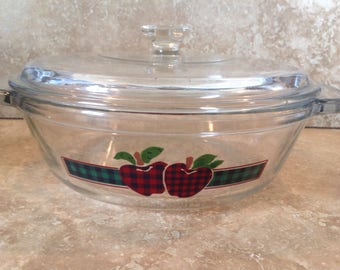 Apples casserole dish with lid