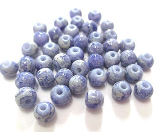 20 white marbled purple beads painted glass 4mm (A-27)