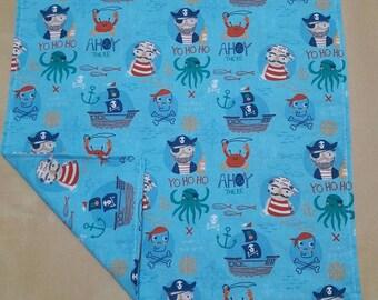 Large towel pattern snack pirates 31 cm 31 cm