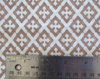 Vintage Beige/White Diamond Geometric Print Fabric 44x3.5yd