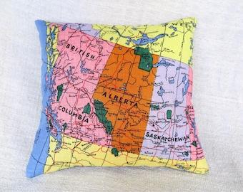 Cushion, Retro cushion, Vintage map cushion, Handmade cushion cover, Canadian map cushion cover, Map cushion, Linen cushion cover, OOAK