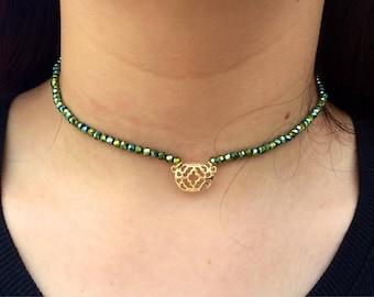 Green and Gold Pendant Choker