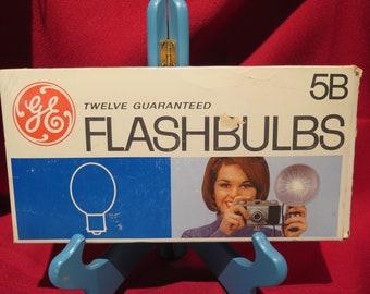 GE 5B FlashBulbs 7 Bulbs in Original Package. 5 Others