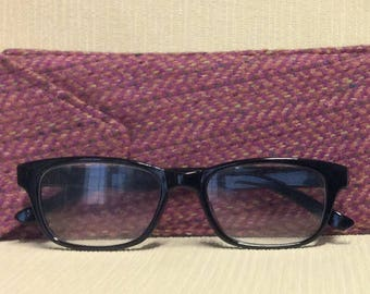 Welsh tweed glasses/spectacles case in pink