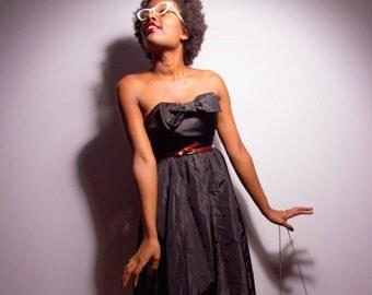 80s black midi dress strapless/ prom dress/ full skirt /UK size 2/ sweetheart top/ goth formal dress/ little black party dress/ USA size 0