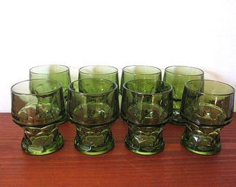 Vintage 70s Set of Eight Green Thumbprint Tumblers