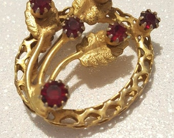 ON SALE : Vintage Red Rhinestone  Goldtone Pin Brooch