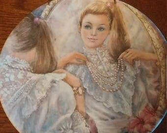 Vintage Wedgwood Mary Vickers 'The Pearls' Limited Edition Decorative Plate