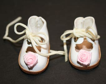 "Doll shoes; French style; white with pink rosettes; lace up; 1-3/4"" soles; sc-02"