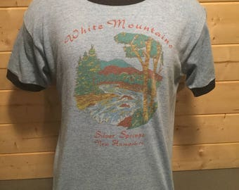 Vintage 1980's White Mountains New Hampshire Tourist  50/50 Raglan T-Shirt Great Color Made in USA