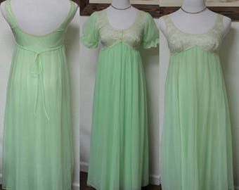 Vintage Night Gown and Peignoir **Sea Foam Green** Chiffon and Lace FREE SHIPPING