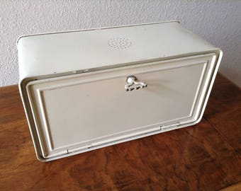 Vintage Bread Box, Tin Bread Box, Farm Kitchen, Off White Bread Box