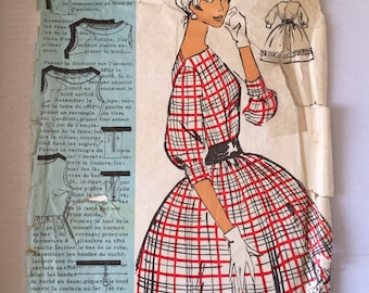 "Fabulous 60's french vintage sewing pattern - ""Patrons Modele 73015"" woman brigitte bardot style of dress size 44 / size 16"