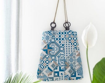 BLUE LATTICE TOTE