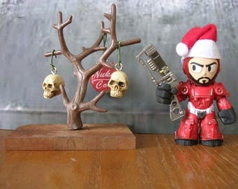Fallout 4  Mini Power Armor Santa Claus  with Wasteland Christmas tree