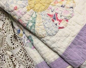 Lavender Dresden Plate Quilt Layer/ Photo Prop Quilt/ Cutter Quilt Piece