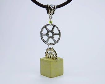 Cube necklace with gears green concrete - concrete jewelry on a black leather strap gear steampunk concrete cube concrete jewelry Green