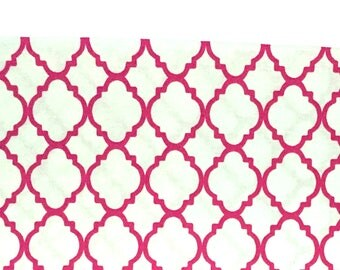 Hot Pink Quatrefoil Fabric / Pink White Fabric / Pink Fabric / Pink Lattice Fabric / Cotton Quilting Fabric / Fabric by the Yard