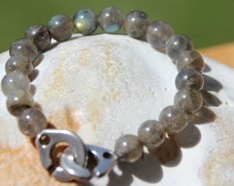 Bracelet with labradorite semi precious beads