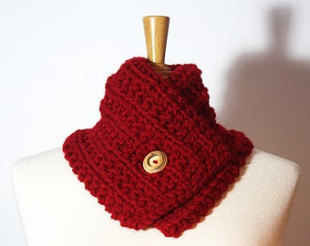Neck circumference * near neck * hand knitted in cherry red wool