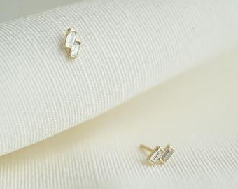 Double baguette diamond stud earrings in 14K solid gold THUNDER