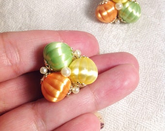 Vintage Green Yellow Orange Plastic Pearl Gold Tone Clip On Earrings