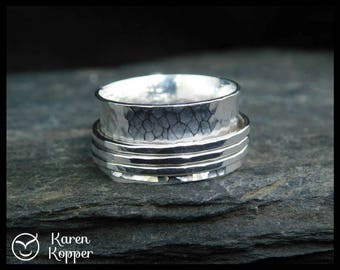 Sterling silver spinner ring, fidget ring, meditation ring. 3 bands ring. Wedding band. Made at your size.