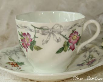 Coalport, England: Beautiful tea cup with flowers and ribbons