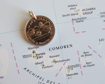 Comoren coin necklace - made of an original coin from the Comoren - egg - chicks - island