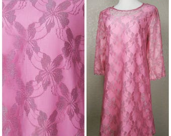 Clearance *** Beautiful Vintage Pink Metallic Lace Dress