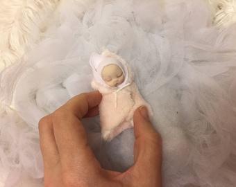 Cute dollhouse baby girl,polymer clay,worldwide shipping!!