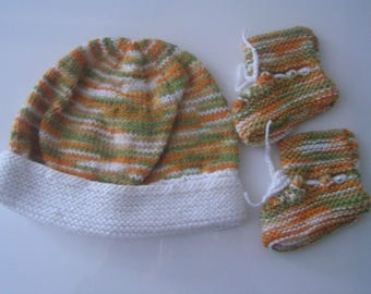 Booties and matching accessory for baby 0/3 months