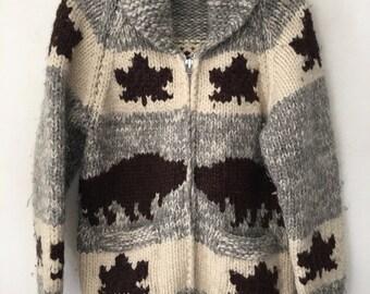 Wool heavy gray sweater unisex clothes size medium .