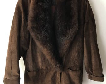 Elegant coat from sheepskin & suede with fluffy collar long warm coat vintage winter old coat retro women's brown coat has size-medium.