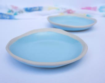 Small pebble dish with organic rim, handmade pottery ring dish or jewellery holder in pale aqua blue, small ceramic plate with a fluid rim