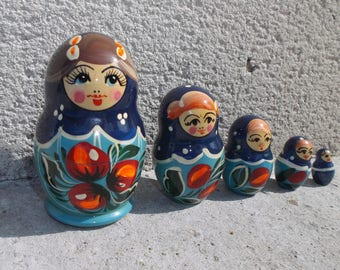 dolls Russians matriochkas vintage blue and Red - set of 5 Russian dolls of the 1970s - memories of Poland - soviet vintage