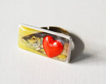 Adjustable fish and red heart ring