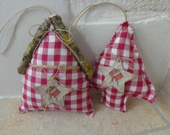 Set with a cottage and a Christmas tree hanging in red and white gingham