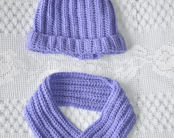 Lavender hat and cowl set