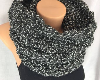 Chunky cowl, infinity scarf, Crochet cowl scarf, snood scarf, crochet tube scarf, crochet ladies scarf, black cowl scarf, gift for her