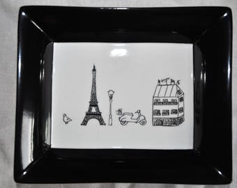 Hand painted pin tray souvenir from Paris