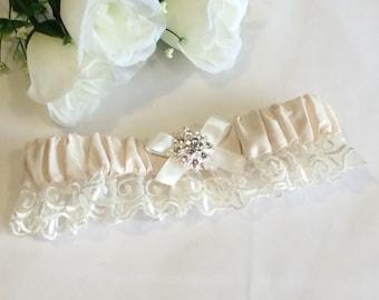 Wedding Garter, Lace Garter, Lace Bridal Garter, Silk Garter , Ivory Silk Garter, Traditional Garter, Bridal Lingerie